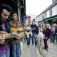 Straatmuzikanten op festival